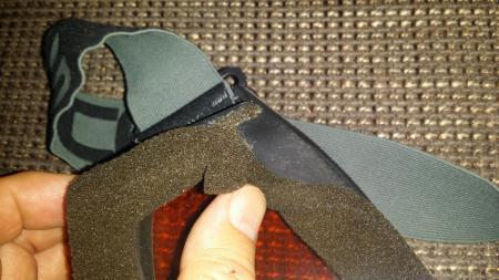 schaumgummi mit kunststoff kleben schaumgummidichtung auf kunststoffskibrille. Black Bedroom Furniture Sets. Home Design Ideas