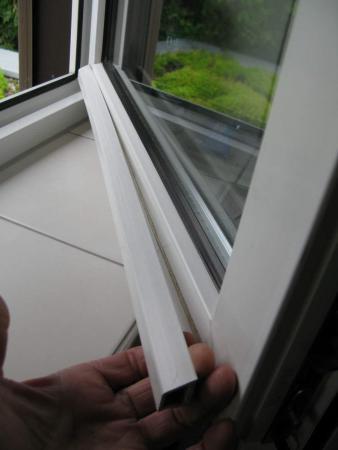 wahrscheinlich hart pvc mit mit sich selbst kleben wetterschenkel am kunststofffensterfl gel. Black Bedroom Furniture Sets. Home Design Ideas