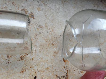 glas mit glas kleben glaszylinder einer llampe. Black Bedroom Furniture Sets. Home Design Ideas