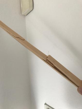 holz mit holz kleben gebrochenen stab eines lattenrostes kleben. Black Bedroom Furniture Sets. Home Design Ideas