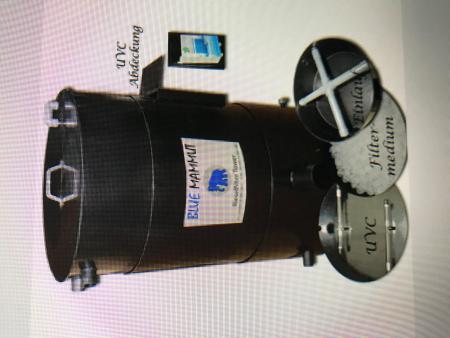 pe wasserfass mit pe wasserfass kleben zwei aufeinandergestellte wassertonnen. Black Bedroom Furniture Sets. Home Design Ideas
